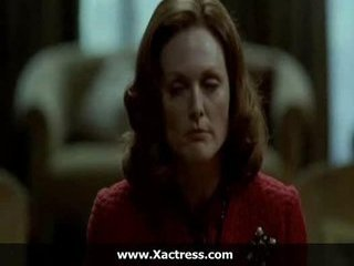 Julianne moore the dominating mother